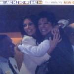 kim-kardashian-hugging-mom