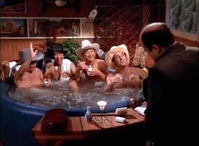 6-seinfeld-checks-jacuzzi